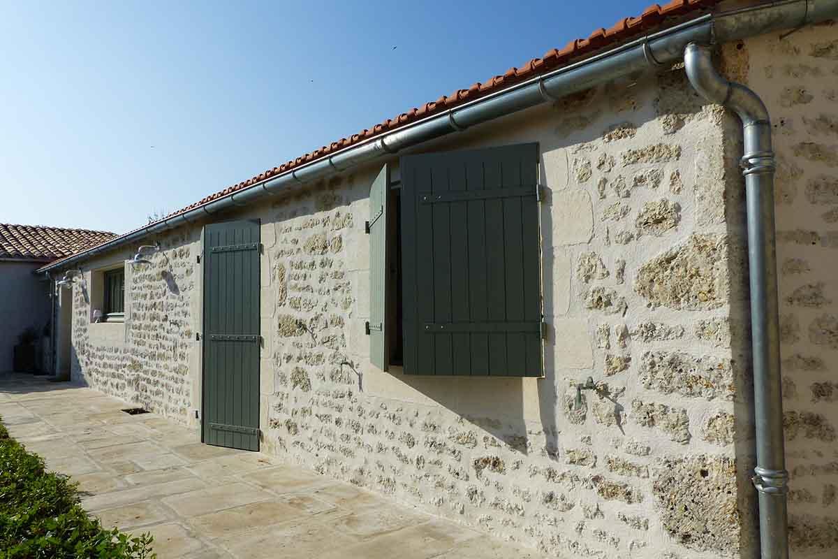 Dallage en pierre réalisé par l'entreprise François Cellier - rénovation du bâti ancien