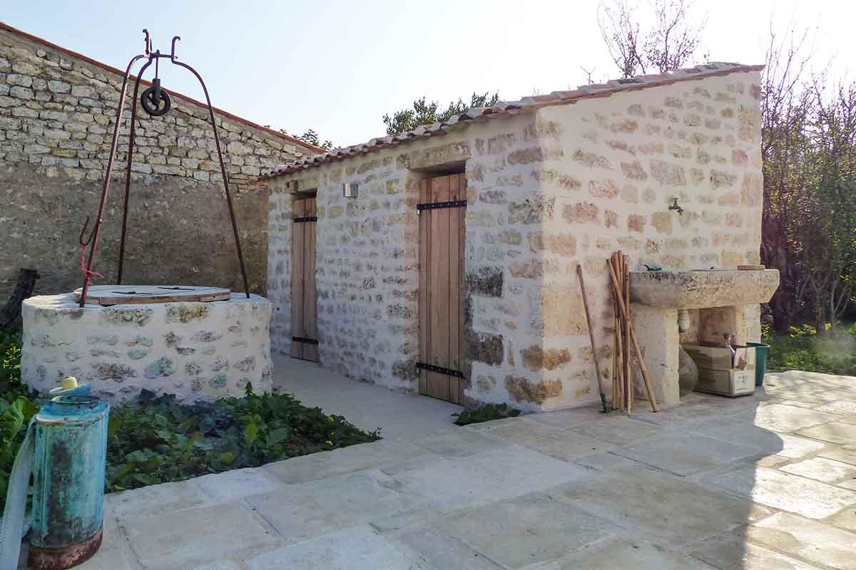 Enduits extérieurs réalisations rénovation du bâti ancien par François Cellier en Charente Maritime